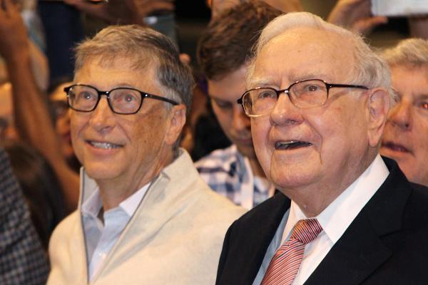 Warren Buffett và Bill Gates cùng đồng ý rằng, đây là những cuốn sách đáng giá nhất hiện nay: Bạn nên đọc để có cái nhìn khác về thế giới - Ảnh 2.
