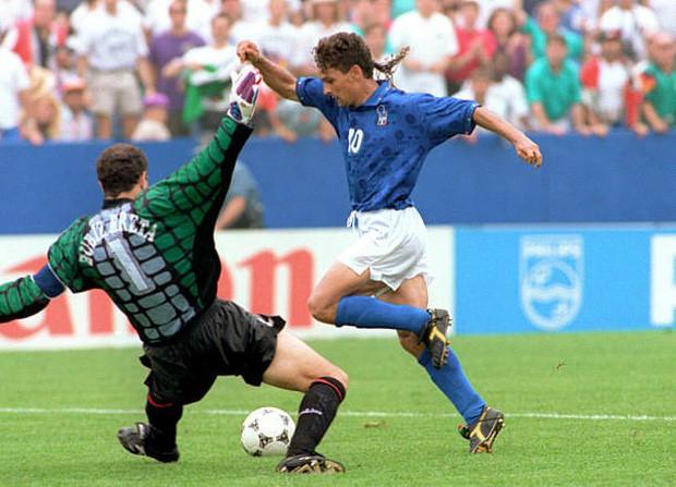 World Cup 1994: Nỗi đau tột cùng của tóc đuôi ngựa thần thánh Roberto Baggio - Ảnh 2.