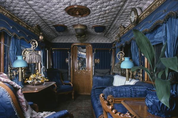 Có gì trên chuyến tàu ân sủng Công nương Meghan sẽ trải qua cùng Nữ hoàng Anh trong chuyến đi dài ngày tới Chester? - Ảnh 4.