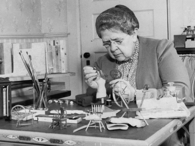 Cuộc đời bà tổ nghề pháp y Frances Glessner Lee: Người dựng lại hiện trường án mạng từ những con búp bê - Ảnh 2.