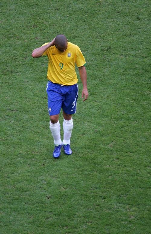 Ronaldo: 1.454 ngày biến cơn ác mộng thành vinh quang chói lọi nhất sự nghiệp lẫy lừng - Ảnh 6.