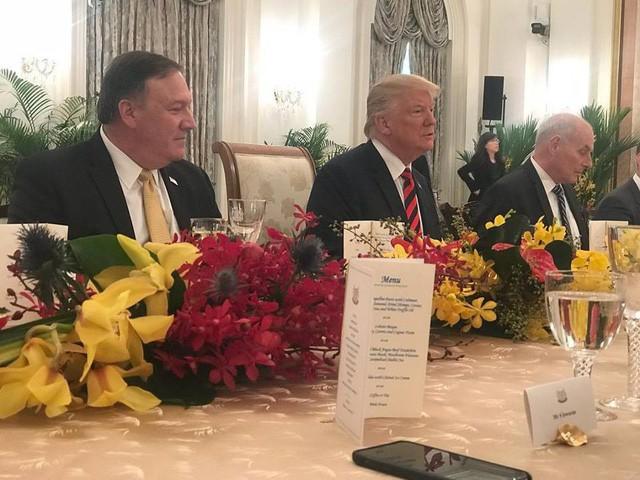 Ông Trump bất ngờ được Thủ tướng Lý Hiển Long tổ chức sinh nhật sớm tại Singapore - Ảnh 3.
