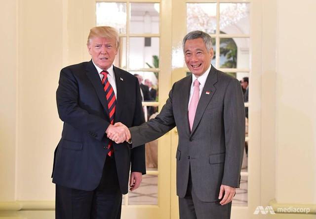 Ông Trump bất ngờ được Thủ tướng Lý Hiển Long tổ chức sinh nhật sớm tại Singapore - Ảnh 8.