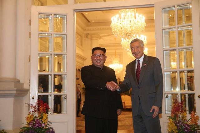 Ông Trump bất ngờ được Thủ tướng Lý Hiển Long tổ chức sinh nhật sớm tại Singapore - Ảnh 9.
