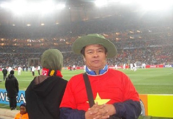 Đại gia Việt mang vải thiều, tiền lẻ và cúp vàng Bát Tràng sang Nga xem World Cup 2018 - Ảnh 1.