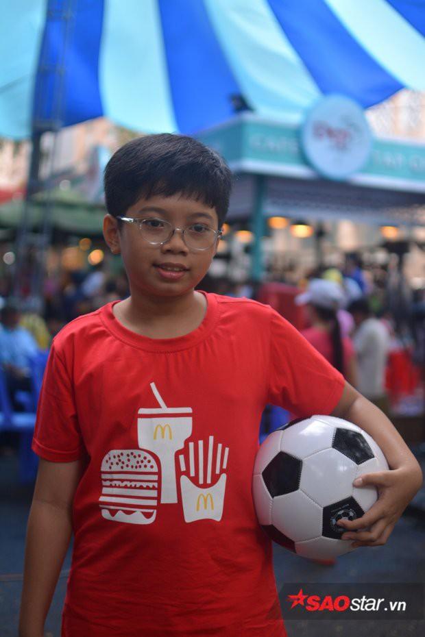 Cậu bé Việt duy nhất được xuất hiện trong chung kết World Cup: Mê nhất chú Messi - Ảnh 1.
