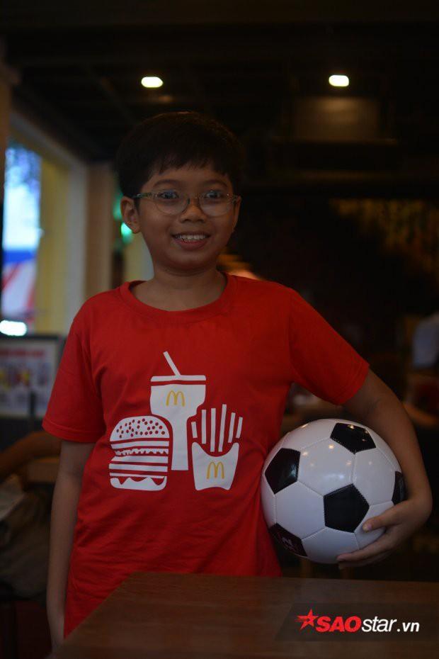 Cậu bé Việt duy nhất được xuất hiện trong chung kết World Cup: Mê nhất chú Messi - Ảnh 4.