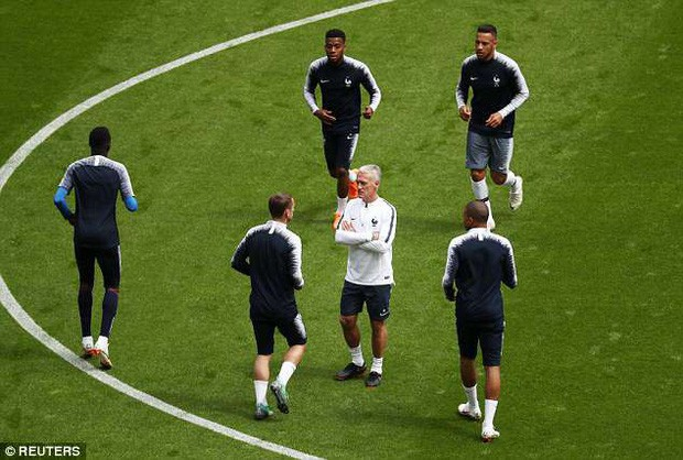 Đội hình tiền tỷ của Pháp khởi động cho trận đấu khai màn World Cup 2018 - Ảnh 11.