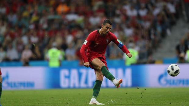 Bồ Đào Nha 3-3 Tây Ban Nha: Cả thế giới ngả mũ thán phục Ronaldo - Ảnh 13.
