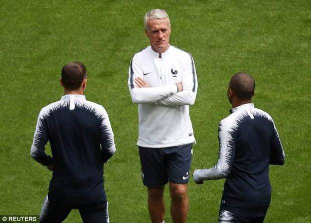 Đội hình tiền tỷ của Pháp khởi động cho trận đấu khai màn World Cup 2018 - Ảnh 12.