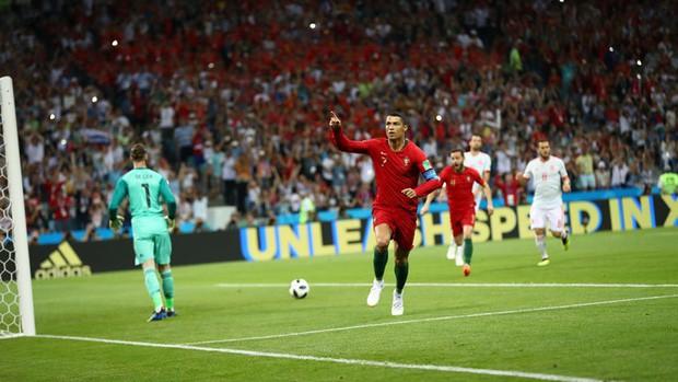 Bồ Đào Nha 3-3 Tây Ban Nha: Cả thế giới ngả mũ thán phục Ronaldo - Ảnh 4.