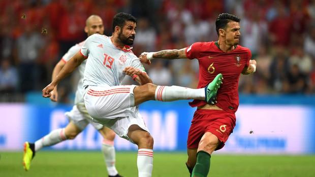 Bồ Đào Nha 3-3 Tây Ban Nha: Cả thế giới ngả mũ thán phục Ronaldo - Ảnh 6.