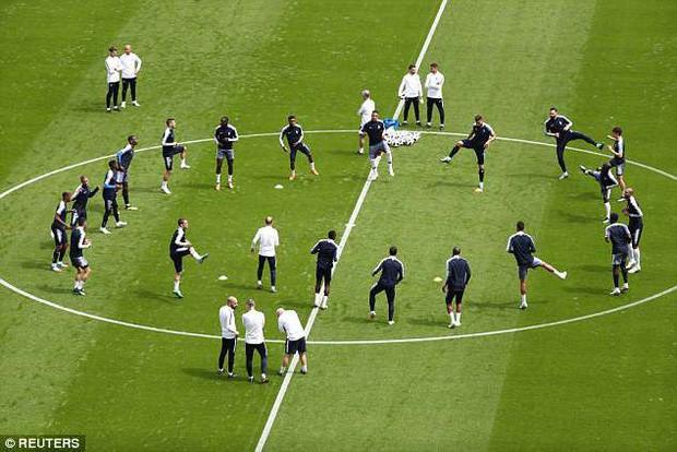 Đội hình tiền tỷ của Pháp khởi động cho trận đấu khai màn World Cup 2018 - Ảnh 5.