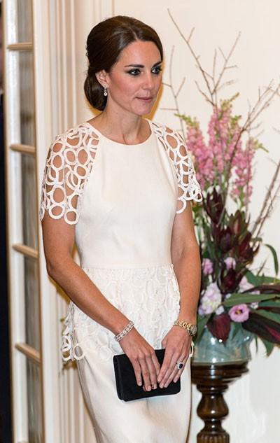 Từ khi làm dâu hoàng gia, Công nương Kate cũng được ưu ái khi nhận những món quà giá trị này - Ảnh 4.