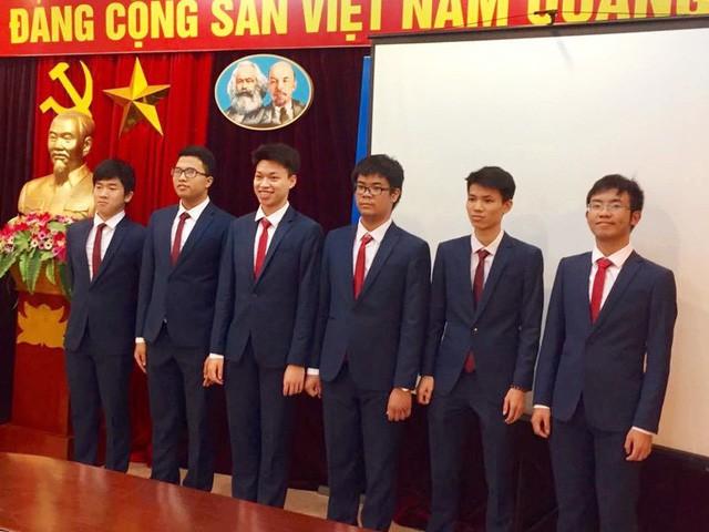 Học sinh Việt Nam lần đầu tiên đoạt Huy chương Vàng Olympic Toán Quốc tế là ai? - Ảnh 3.