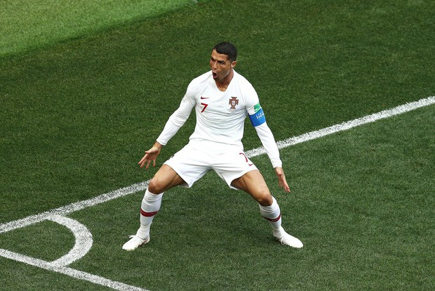 Ronaldo đang ở một đẳng cấp khác, trên tầm Messi rồi - Ảnh 1.