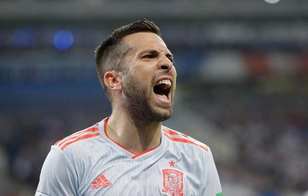 Hé lộ bùa phép cầu may của Messi và Ronaldo ở World Cup 2018 - Ảnh 7.