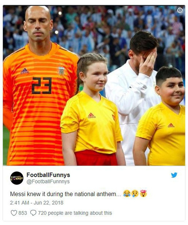 Bức ảnh Messi ôm mặt từ trước trận thua thảm Croatia gây sốt - Ảnh 1.