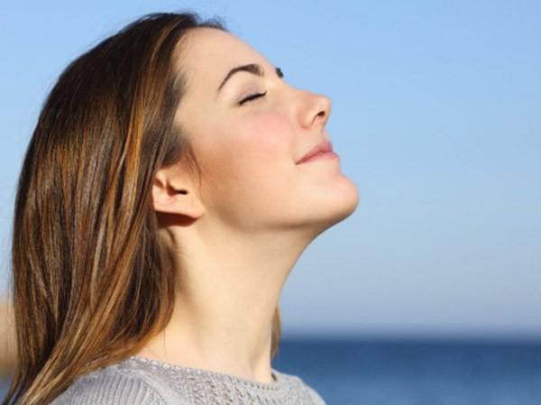 6 việc nên làm ngay sau khi thức dậy: Chịu khó làm để kéo dài tuổi thọ - Ảnh 1.