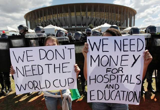 """[Case Study] World Cup – Sự kiện """"lỗ"""" nhất thế giới? Chi phí cao, rủi ro nhiều, chỉ có FIFA là hốt bạc - Ảnh 1."""