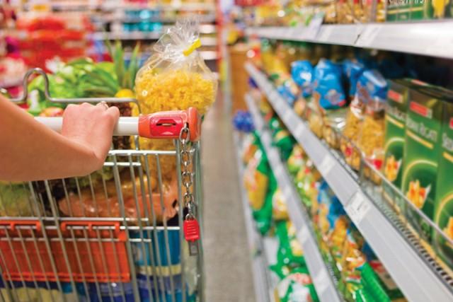 Thị trường bán lẻ Việt: Doanh nghiệp nội đang lép vế? - Ảnh 1.