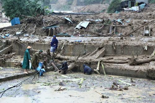 25 người chết và mất tích do mưa lũ - Ảnh 1.