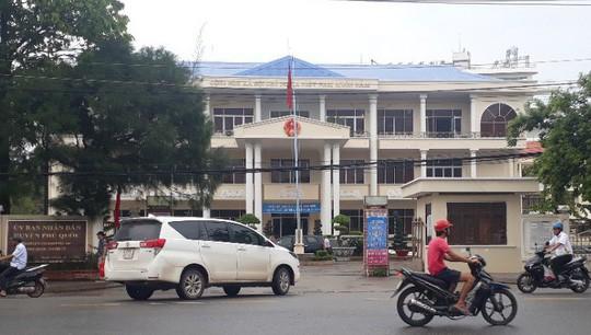 Chủ tịch huyện đảo Phú Quốc chính thức rời ghế nóng - Ảnh 1.