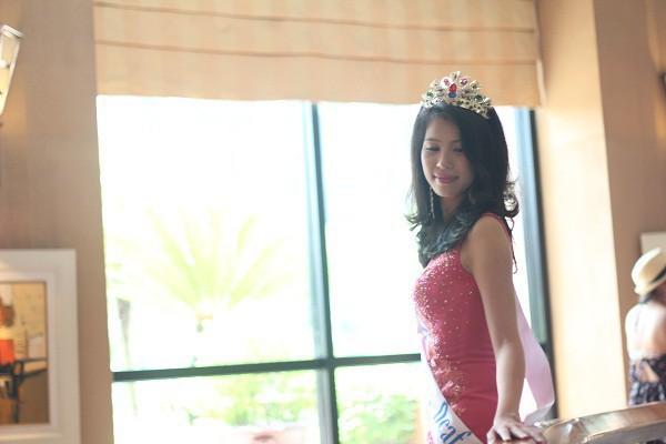 Câu chuyện của một cô gái xinh đẹp không thể nghe, nói và hành trình đến vương miện Á hậu cuộc thi sắc đẹp toàn cầu - Ảnh 6.