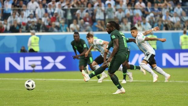 Argentina vượt qua cửa tử, Messi vẫn tung hoành ở World Cup 2018 - Ảnh 3.