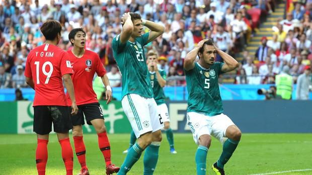 Nhìn cầu thủ Đức thi đấu mới hiểu rằng áp lực trong bóng đá có thể giết chết đẳng cấp thế giới - Ảnh 1.
