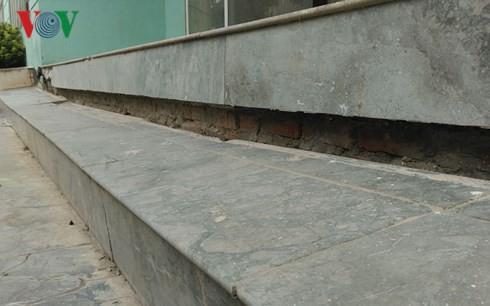 Nhà chung cư tái an cư ở Hà Nội đang bị bỏ rơi? - Ảnh 2.
