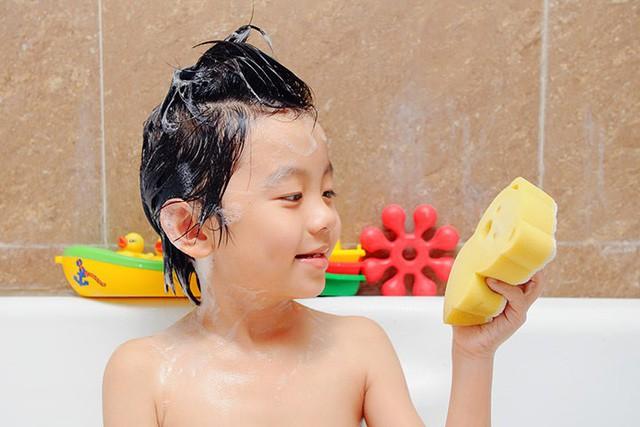Lời khuyên CEO Nguyễn Trung Tín dành cho người trẻ ra trường chưa biết làm gì, thích gì: Hãy lao vào đời như một miếng mút tắm! - Ảnh 1.