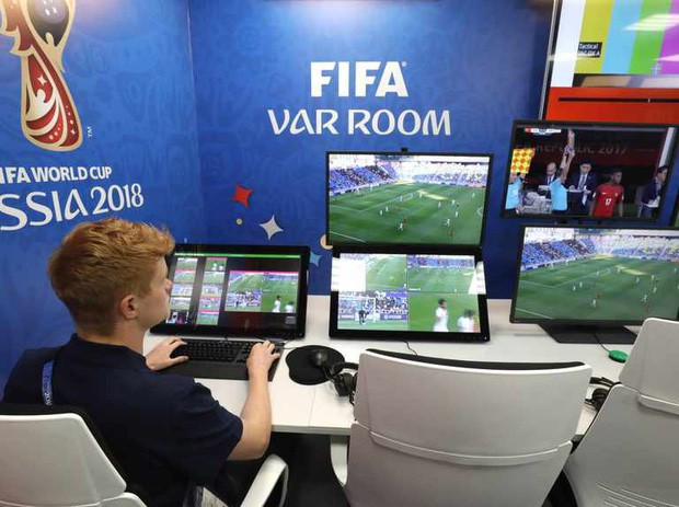 Vòng bảng World Cup 2018: Mới lạ, bất ngờ và nhiều lần bóp nghẹt tim người hâm mộ - Ảnh 2.