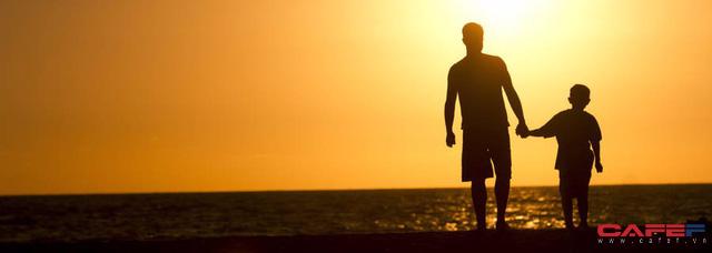 Những đặc điểm trẻ được thừa hưởng từ cha: Chiều cao, sức khỏe tim mạch cho tới thói quen ngủ - Ảnh 1.