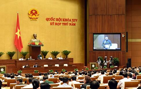 Bộ trưởng Nguyễn Văn Thể trả lời chất vấn - Ảnh 5.