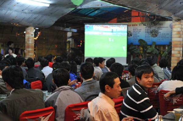Phút chót chưa có bản quyền, nhiều người mua vé rẻ đi Lào, Campuchia xem ké World Cup 2018 - Ảnh 2.