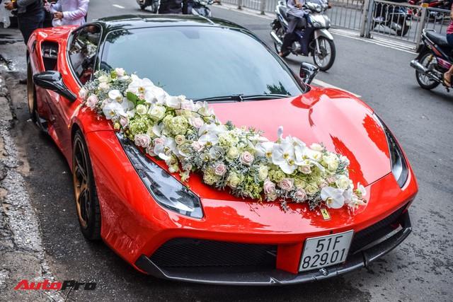 """""""Ma trận"""" siêu xe và xe siêu sang trong đám cưới tại Sài Gòn: Hoa mắt không biết đâu mới là xe dâu - Ảnh 4."""