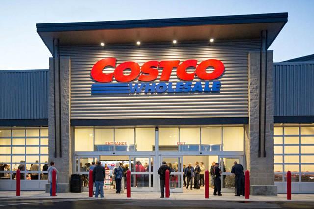 """[Case Study] Mô hình bán lẻ thần thánh của Costco: Giá rẻ cho khách hàng, lương cao cho nhân viên và phát triển khỏe re mà không sợ """"tử thần Amazon"""" - Ảnh 1."""