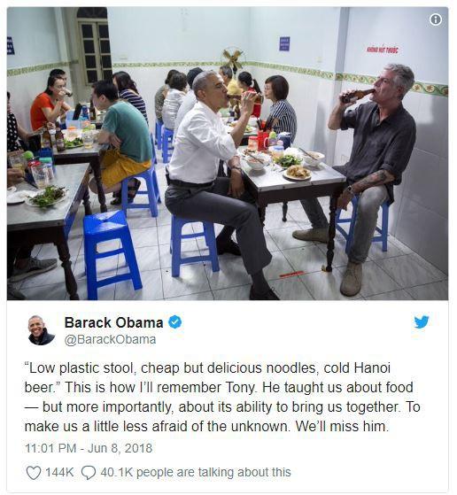 Cựu tổng thống Mỹ Obama đăng tải hình ảnh ăn bún chả ở Việt Nam, bày tỏ thương tiếc tới Anthony Bourdain qua đời - Ảnh 1.