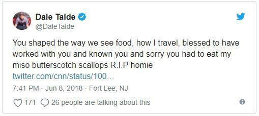 Cựu tổng thống Mỹ Obama đăng tải hình ảnh ăn bún chả ở Việt Nam, bày tỏ thương tiếc tới Anthony Bourdain qua đời - Ảnh 3.