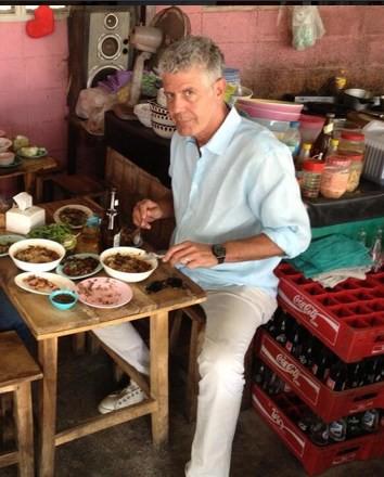 Những hình ảnh đáng nhớ của đầu bếp Anthony Bourdain trong hành trình khám phá ẩm thực Việt Nam - Ảnh 5.