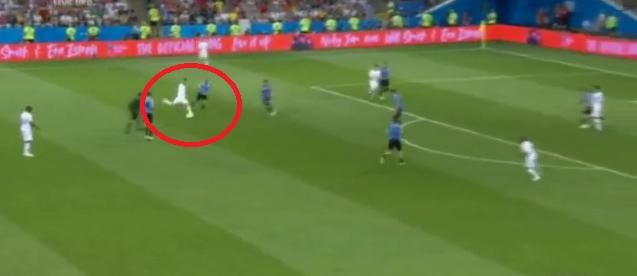 World Cup 2018: Cú đá gôn to gấp đôi cũng không vào và 90 phút vô hại của Ronaldo - Ảnh 2.