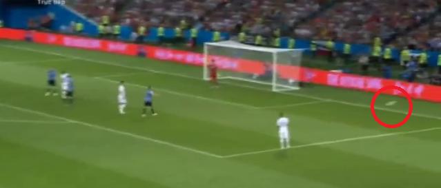 World Cup 2018: Cú đá gôn to gấp đôi cũng không vào và 90 phút vô hại của Ronaldo - Ảnh 3.