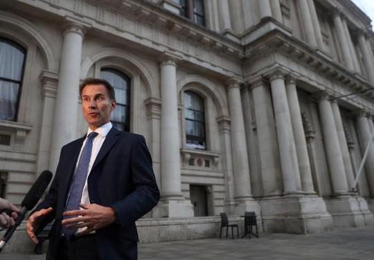 Bộ trưởng Ngoại giao Anh từ chức, trút lời cay đắng vào lá thư 2 trang - Ảnh 1.