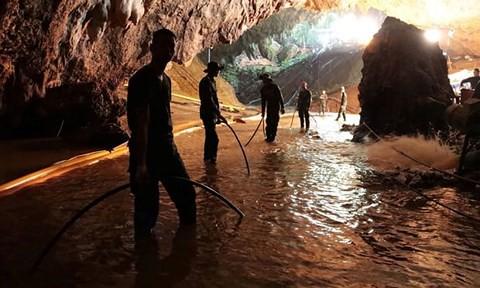 Bí mật đáng sợ trong chiến dịch giải cứu ở hang Tham Luang - Ảnh 1.