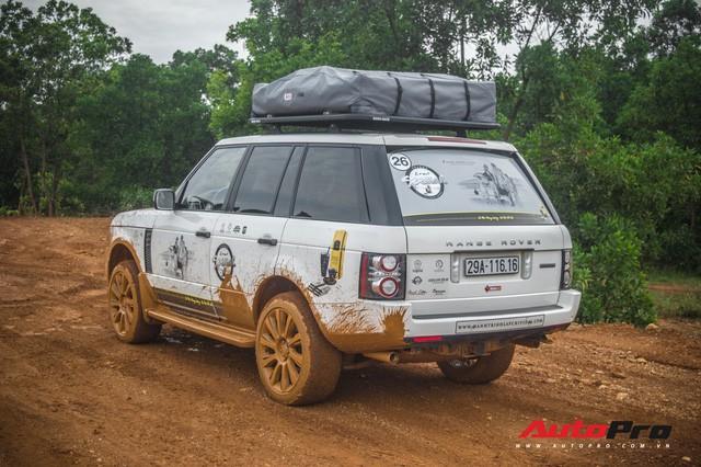 [Chùm ảnh] Đoàn Range Rover hàng chục tỷ đồng của Trung Nguyên thoả sức tắm bùn ở Đồng Mô trước khi rời Hà Nội - Ảnh 14.