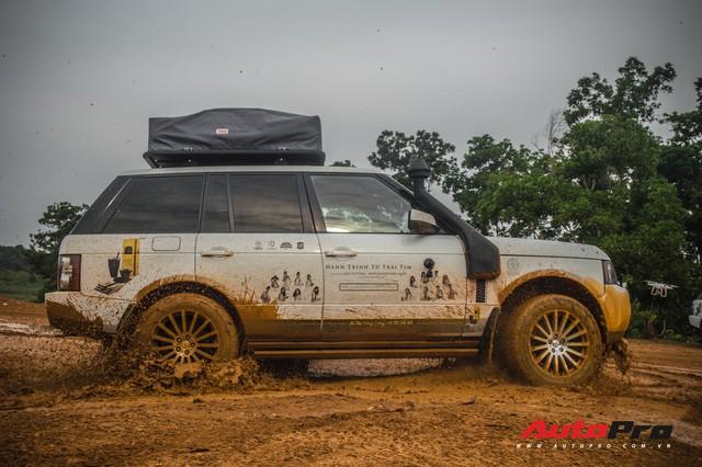 [Chùm ảnh] Đoàn Range Rover hàng chục tỷ đồng của Trung Nguyên thoả sức tắm bùn ở Đồng Mô trước khi rời Hà Nội - Ảnh 21.