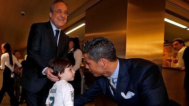 16 câu chuyện tuyệt vời khiến bạn phải có cái nhìn khác về Cristiano Ronaldo - Ảnh 8.