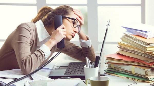 Căng thẳng, áp lực thực sự có thể ăn mòn bạn: Nếu không thể nghỉ việc, đây là lời khuyên chuyên gia dành cho bạn! - Ảnh 2.