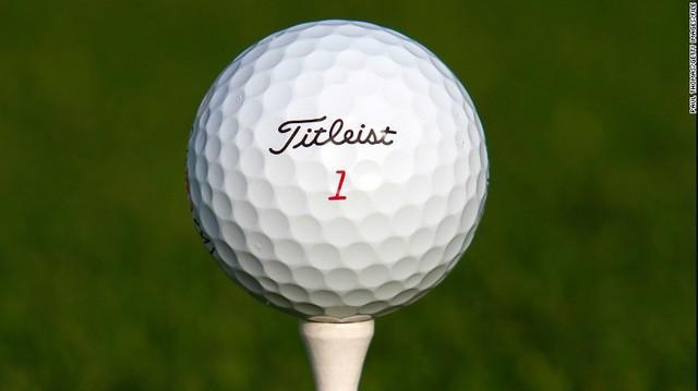 [Nghề lạ] Mò hồ lặn bóng: Kiếm tiền từ việc thú đánh golf của đại gia - Ảnh 2.